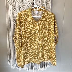 Lularoe Amy mustard cheeta print button down xl